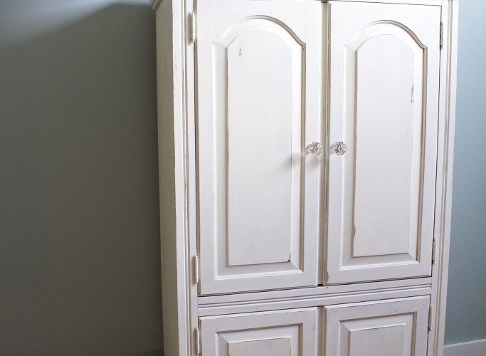 http://2beesinapod.com/2017/03/01/white-painted-armoire-makeover-12-ideas-kids-room/