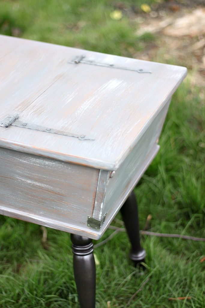 DIY-Weathered-Side-Table