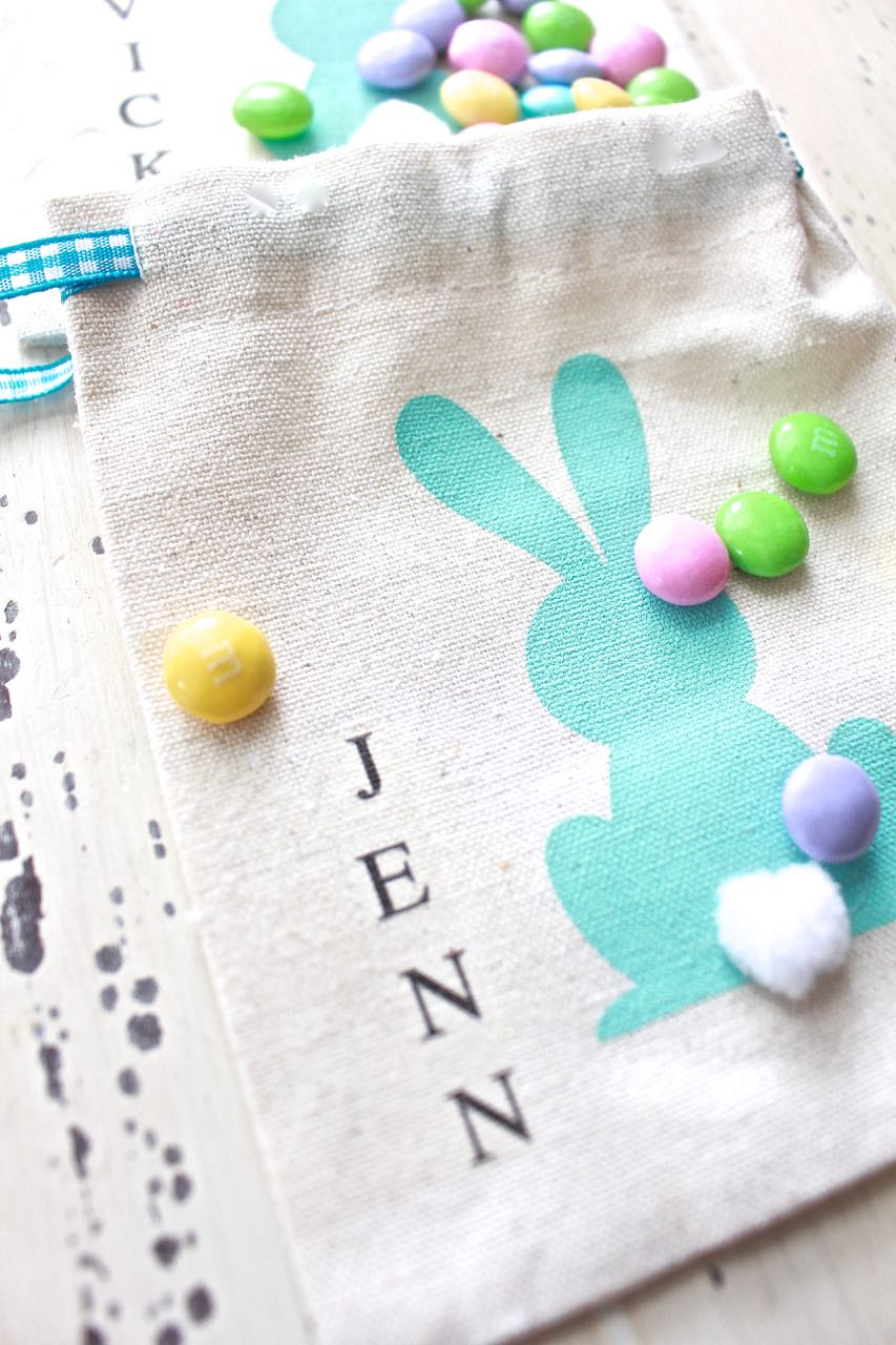 Easter Treat Bag - Easter Place Card. Iron-on names to the treat bags. Can also be used as a place card for the Easter table.