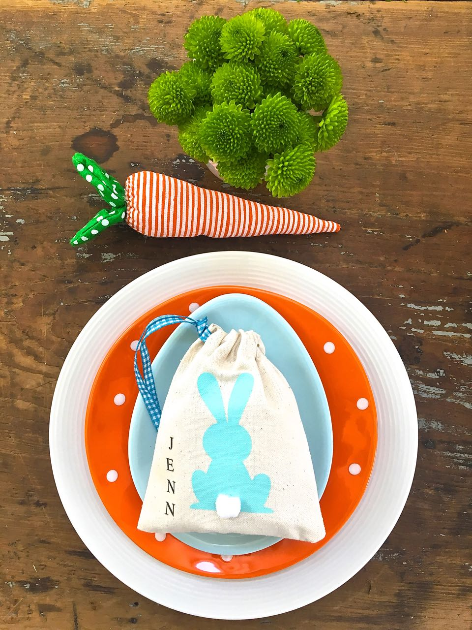Easter Place Setting. Cute place setting for Spring.