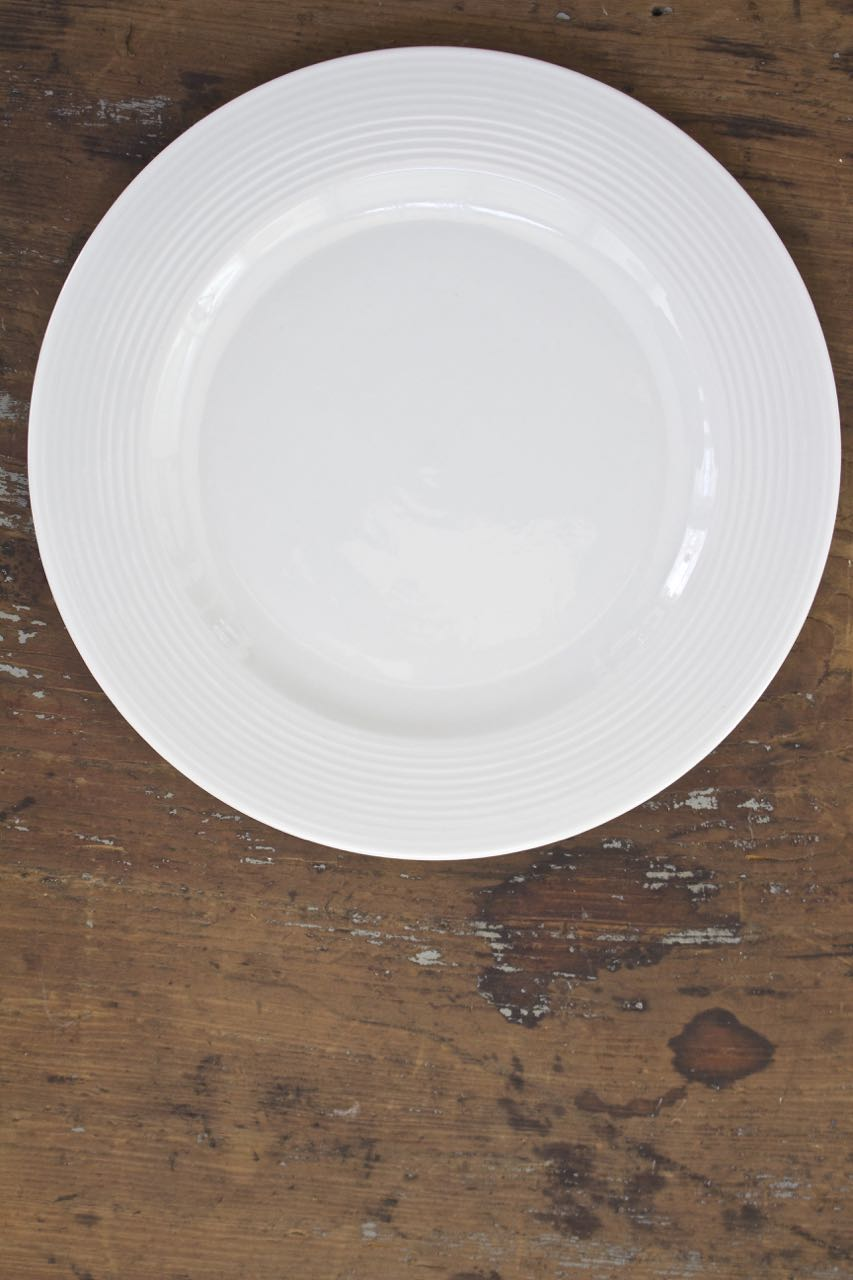 Easter Table Settings. Easter Place Setting. First add your base plate.