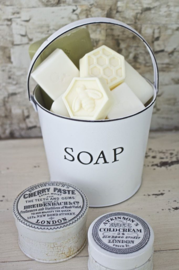 Faux Enamel Soap Dish.