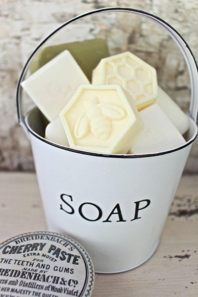 Faux Enamel Soap Dish. Easy DIY enamel look.