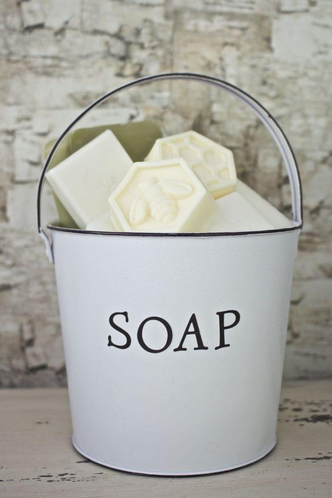 Faux Enamel Soap Dish. Faux enamel looks vintage.