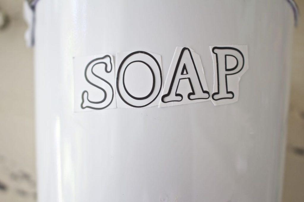 Faux Enamel Soap Dish. Use stencil to create soap design.
