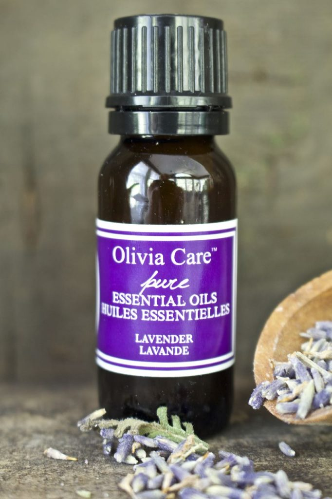 How to make soothing lavender spray. Lavender essential oil is perfect for a sleeping mist.