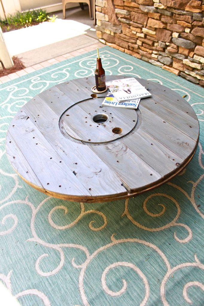 Wire Spool DIY Coffee Table. Outdoor coffee table DIY