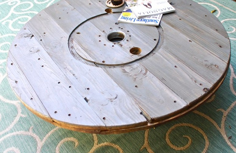 Wire Spool DIY Coffee Table. Outdoor coffee table DIY