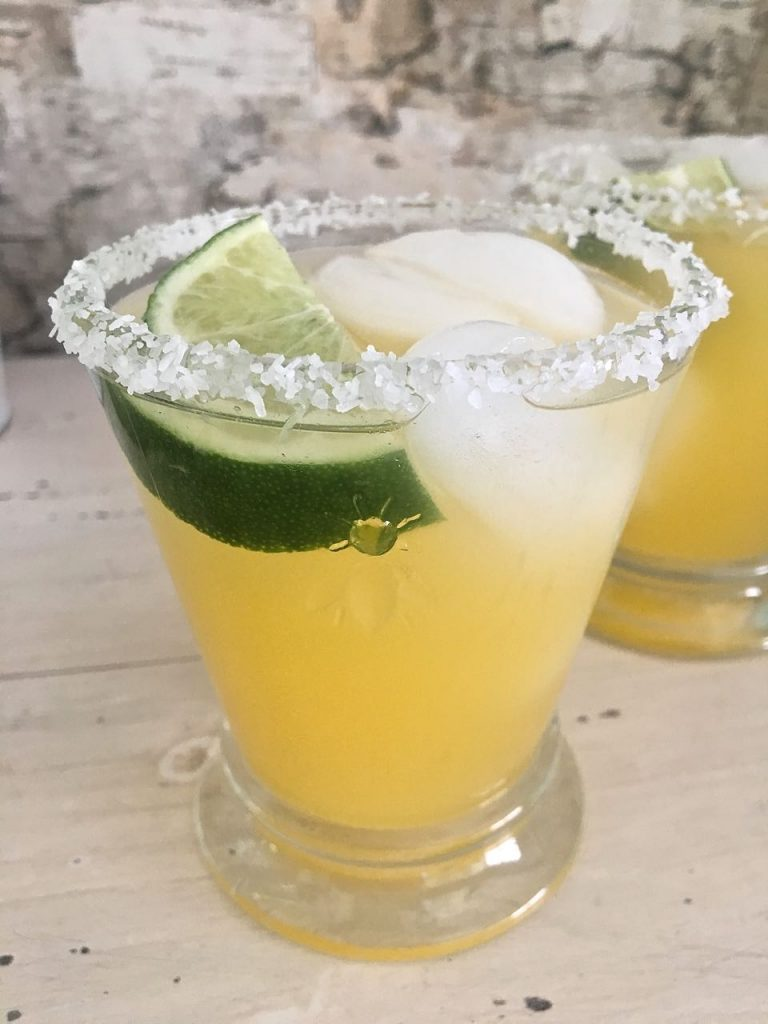 Skinny Margarita Recipe. Less calories in this cocktail recipe for a skinny recipe.