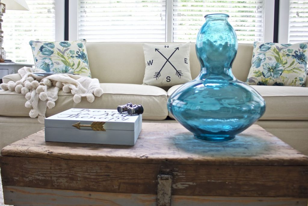 Sunroom Decor for summer - Turquoise decor for summer