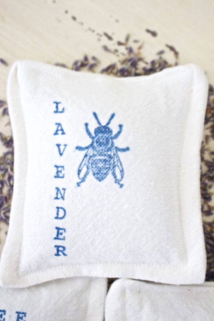 Organic Lavender Dryer Sachet. Fragrant Dryer Sachet