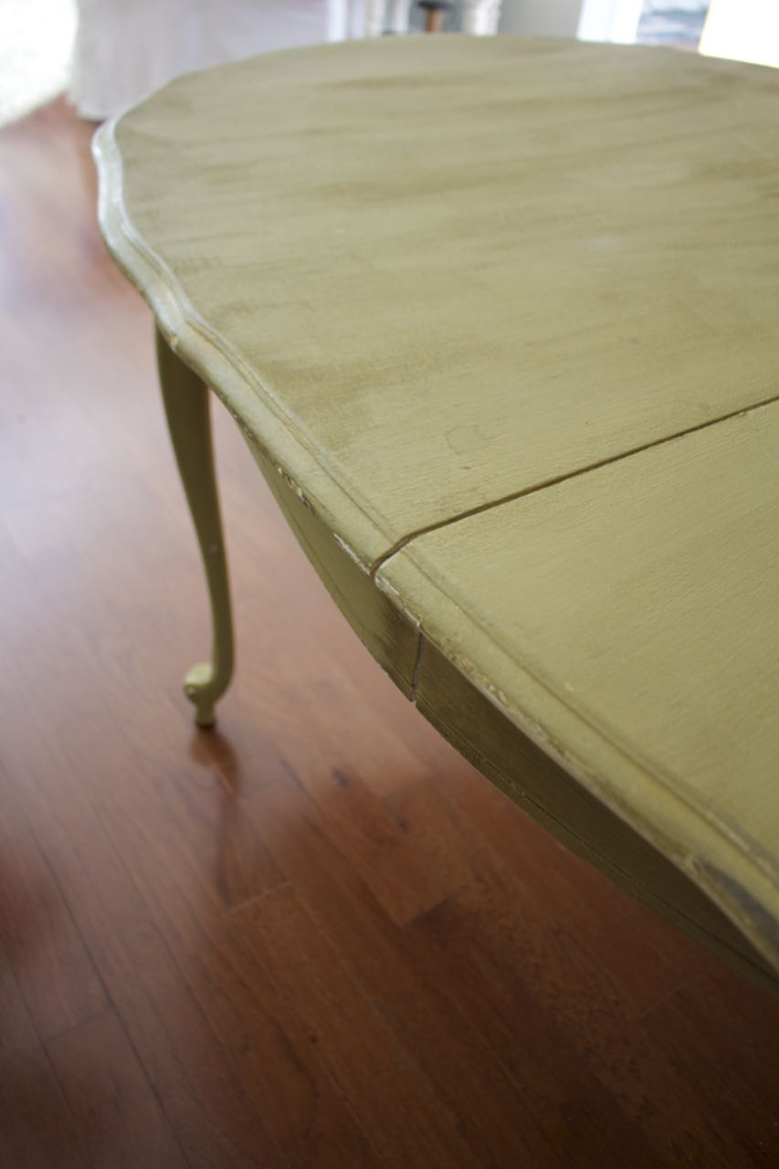 Dining Room Table Makeover. Need to banish the olive green.
