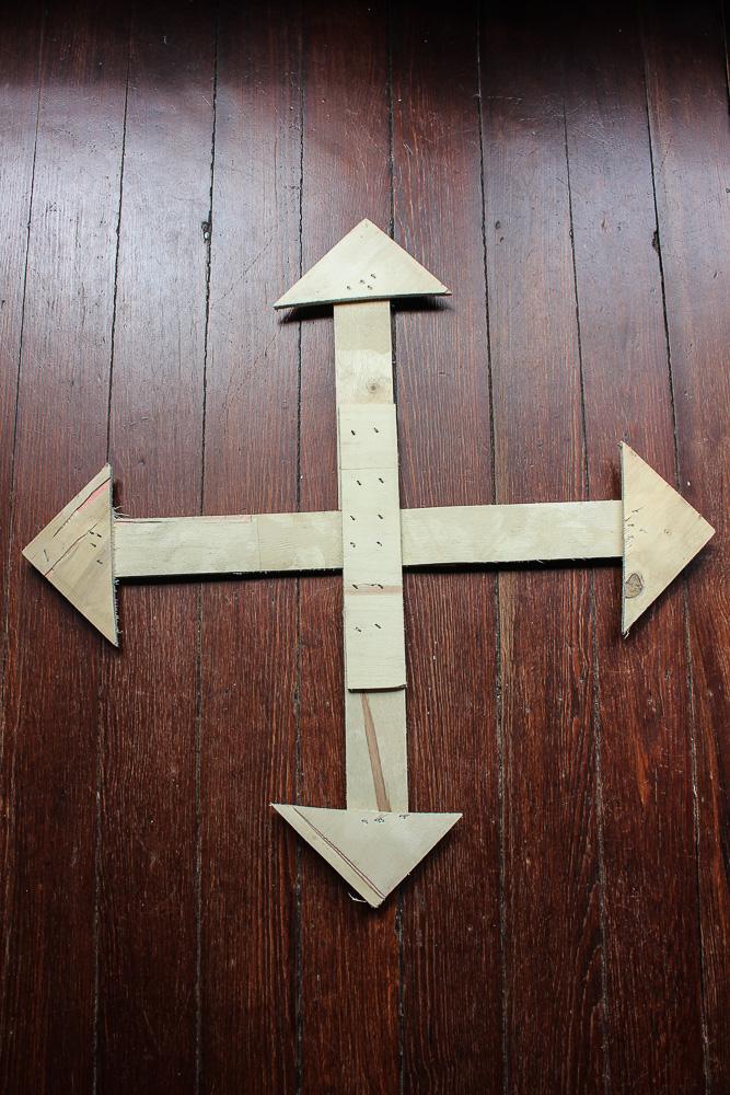 Repurposed farmhouse wooden compass