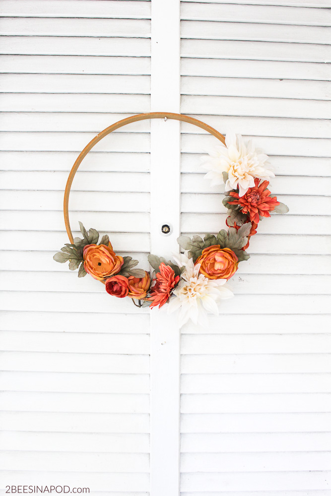 How to make an embroidery hoop wreath for Fall