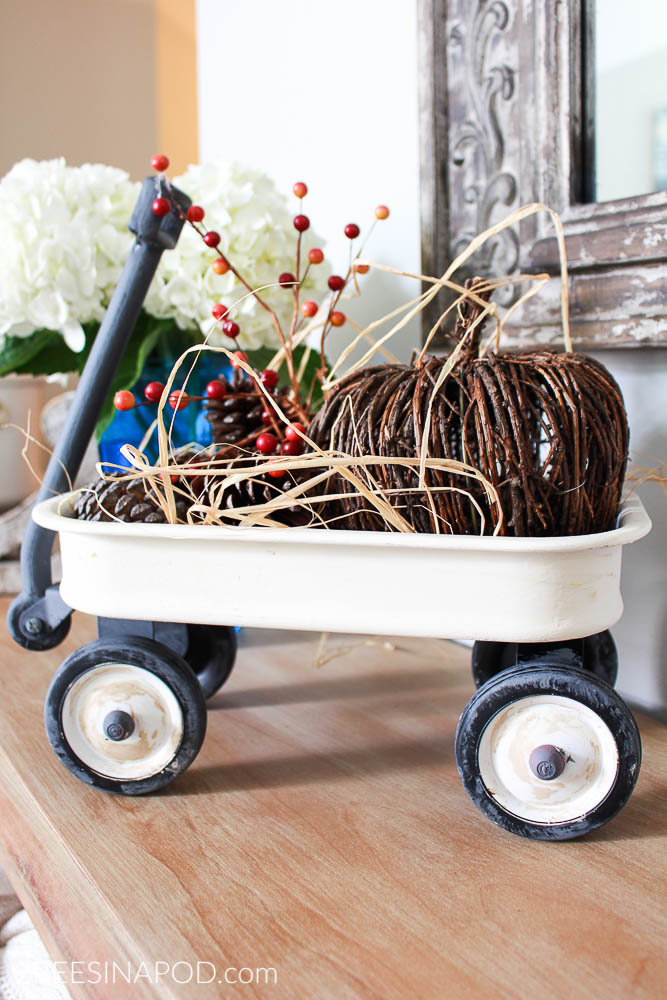 Painted wagon makeover. Radio flyer toy wagon makeover to farmhouse decor.