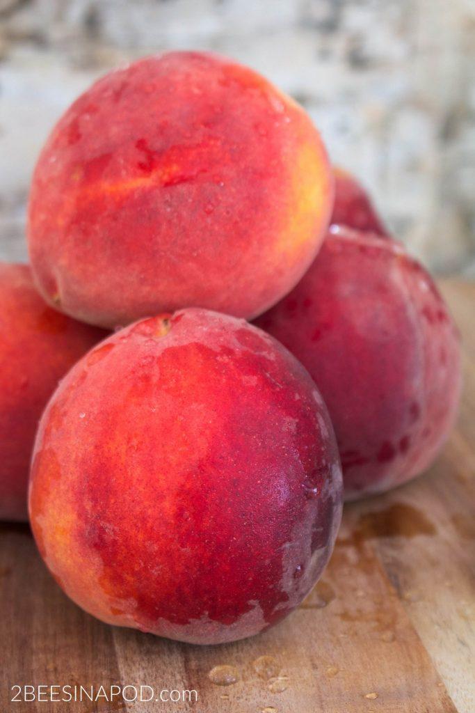 easy peach ice cream recipe perfect for farmers market peaches.