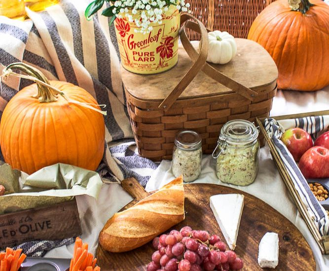perfect-fall-picnic-ideas-use-real-dishes