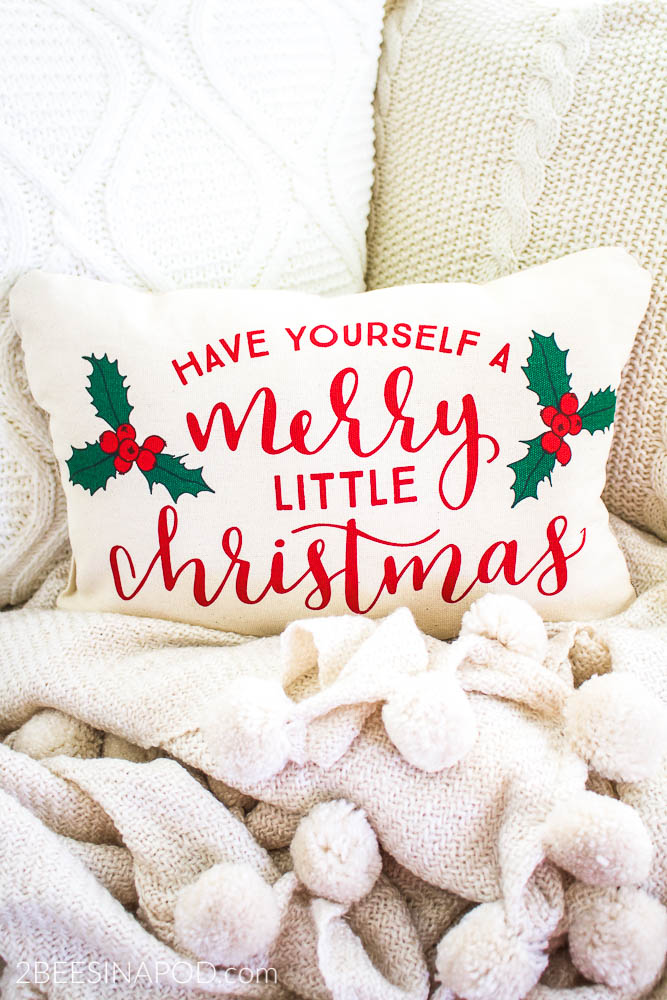Easy Christmas Pillow From Placemats