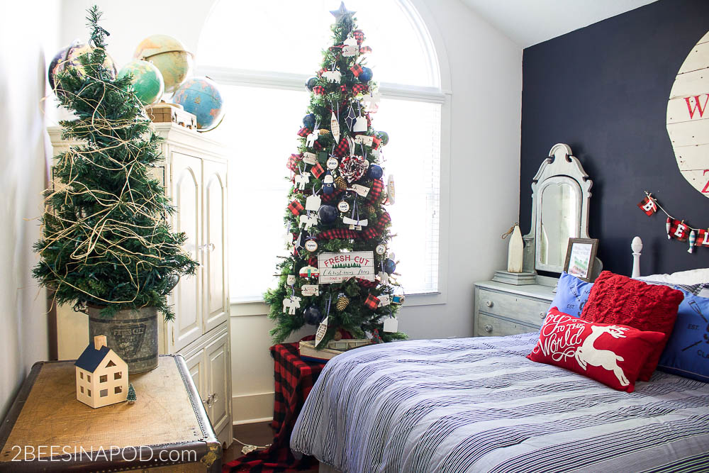 Lake Cottage Christmas Bedroom Tour
