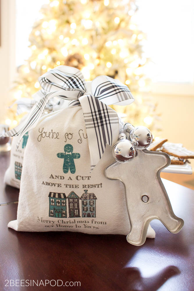DIY Christmas Cookie Bag for Neighbors and Friends