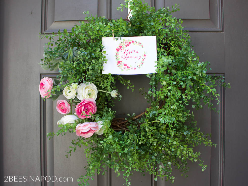 Spring Ranunculus Wreath and Printable. Beautiful vining greenery and pink and white ranunculus for a spring wreath.
