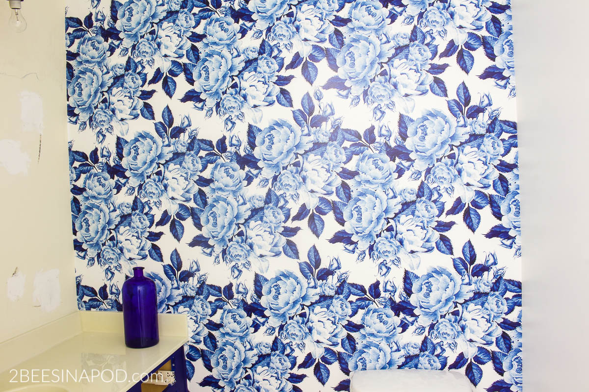Bold Floral Blue And White Removable Wallpaper One Room Challenge Week 3 2 Bees In A Pod