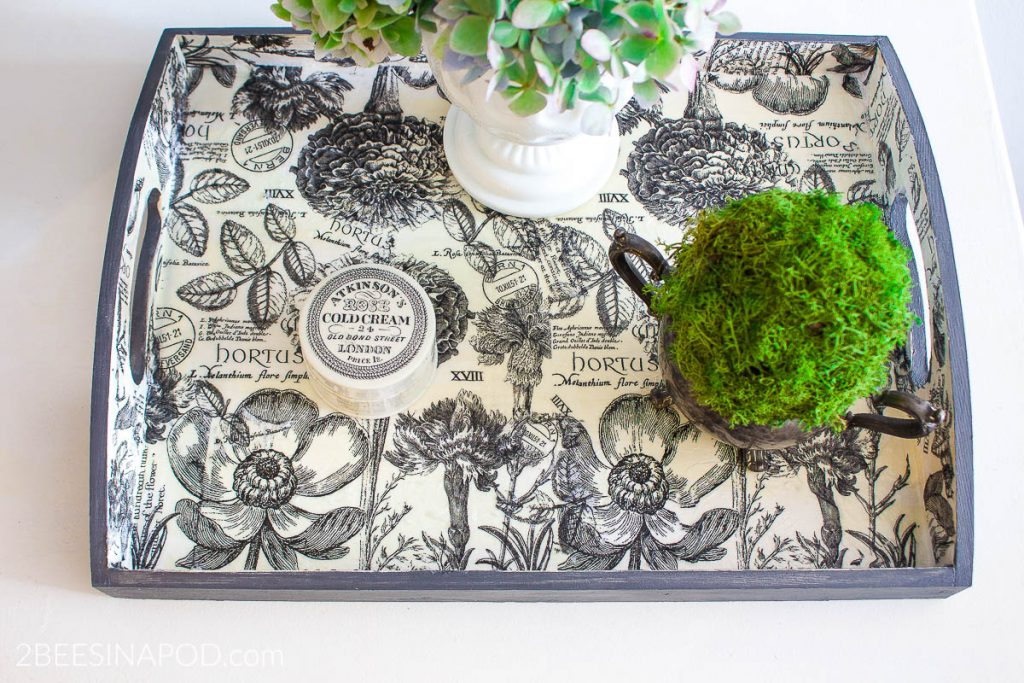 How to Decoupage with Paper Napkins and Make a Tray Look Fabulous. #2beesinapod #diy #easycraft #decoupage #tray #traydecor #traydecorideas #diyhomedecorideas