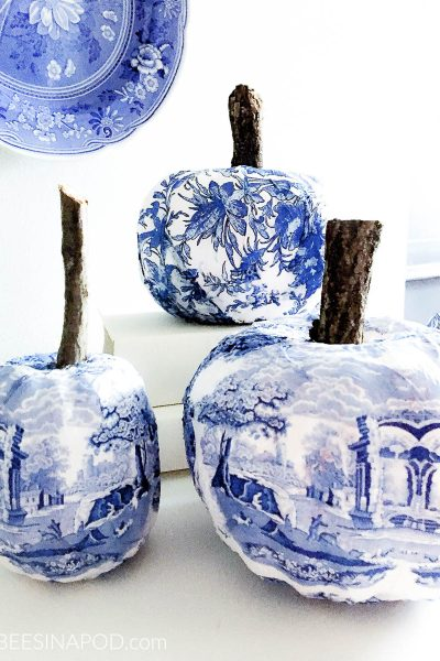 Chinoiserie Pumpkins DIY – Blue and White Pumpkins with Decoupage Napkins
