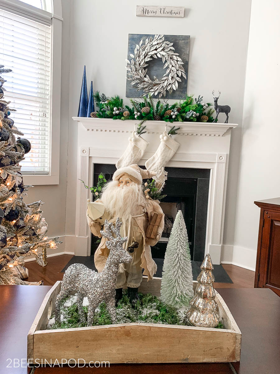 Coffee Table Tray Christmas Decor Ideas
