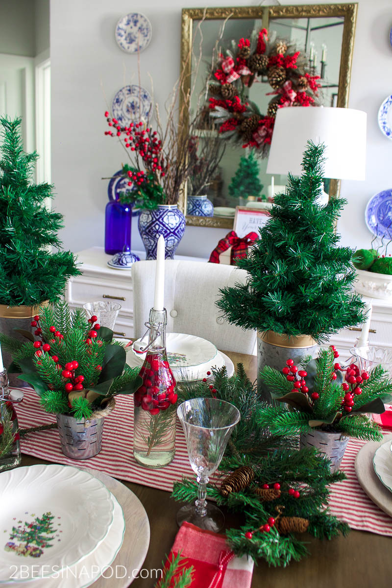 Classic Red And Green Christmas Tablescape 2 Bees In A Pod