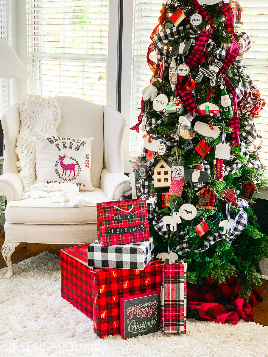 Take A Tour Of My Cozy Plaid Christmas Family Room 2 Bees In A Pod