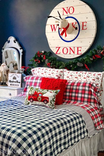 Christmas Bedroom Decor – Guest Ready