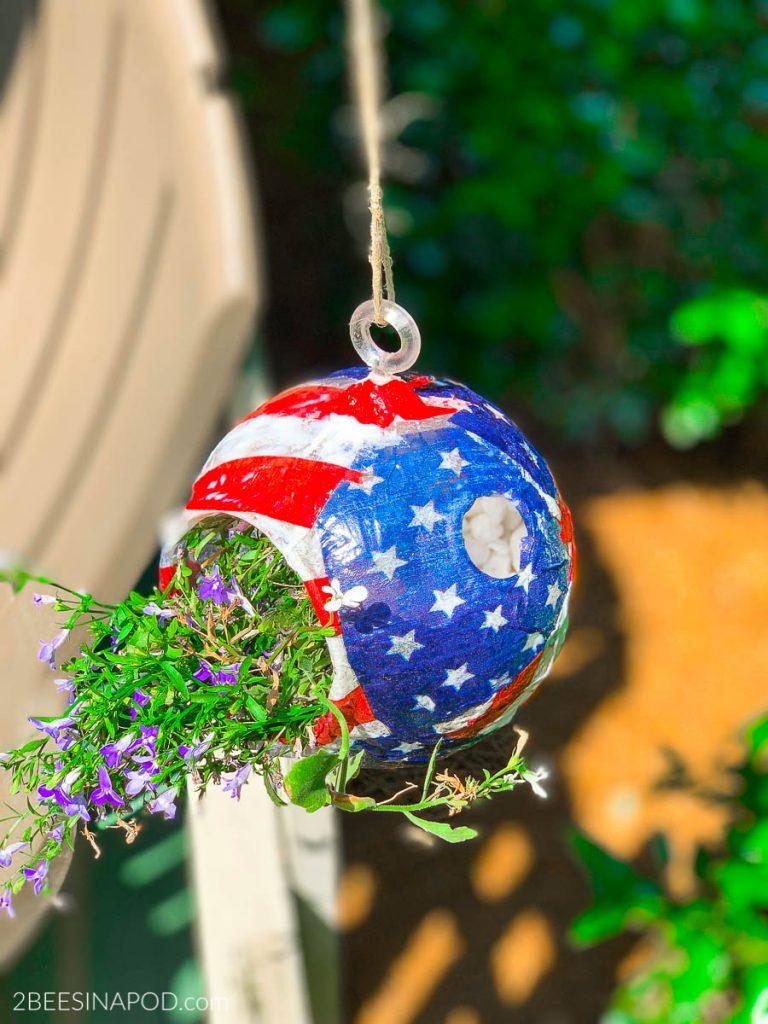 Patriotic Planter- My Dollar Store DIY - 2 Bees in a Pod