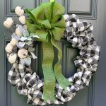 DIY Buffalo Check Fall Bubble Wreath
