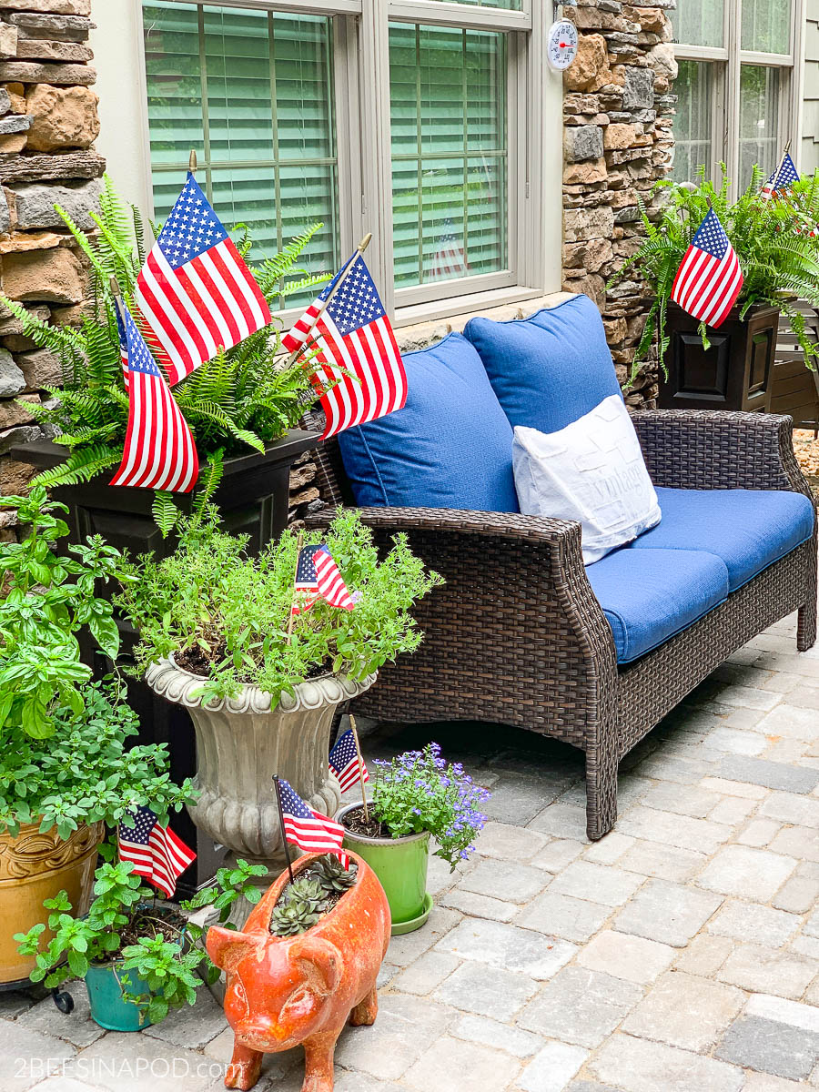 4th of July Porch Decor – Red White and Blue