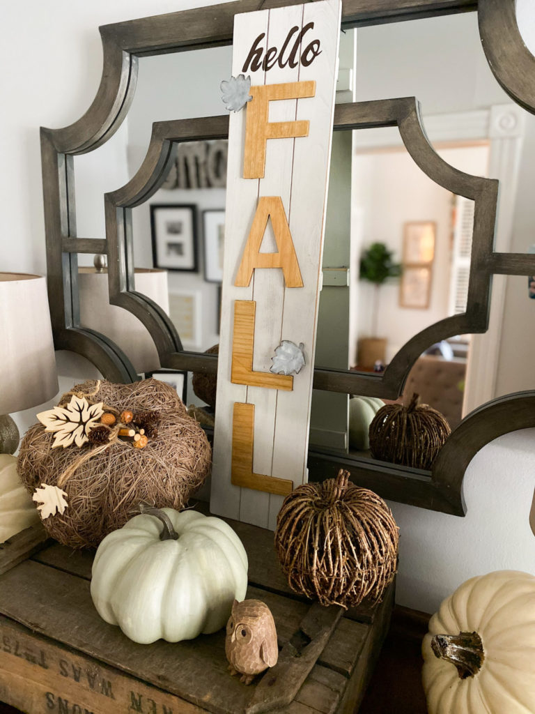 neutral fall entryway decor
