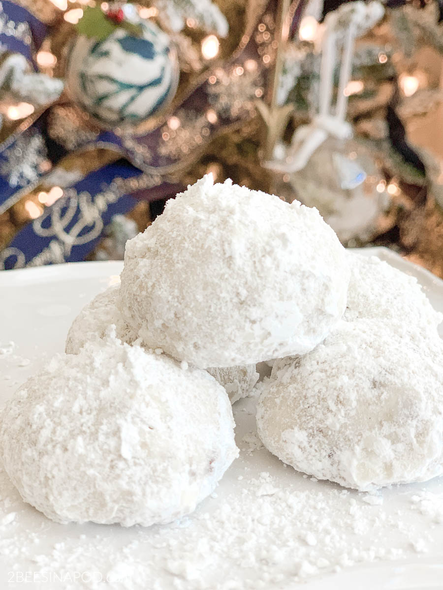 Mom's Snowball Cookies – A Holiday Favorite